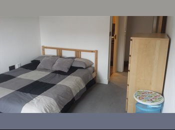EasyRoommate UK - Flat Share in very nice modern flat with ensuite.  - Chafford Hundred, Grays - £475 pcm