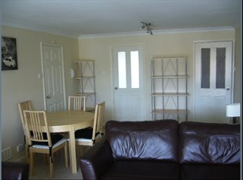 EasyRoommate UK - 2 double bedrooms in quiet flat - Bedford, Bedford - £700 pcm