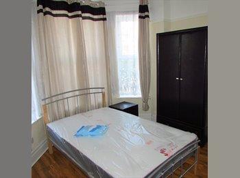 EasyRoommate UK - Luxury rooms in a fully refurbished House - Eccles, Salford - £350 pcm