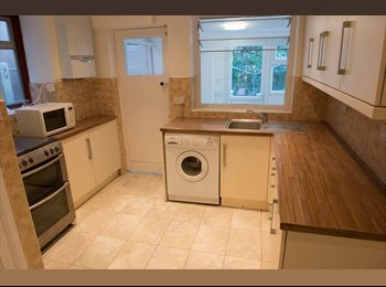 Large Furnished Double Room in NewCross Houseshare