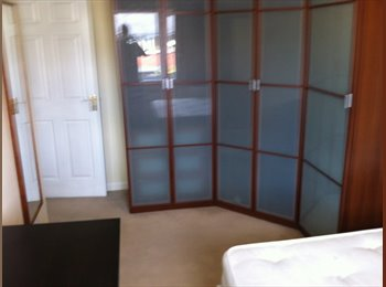 DOUBLE BEDROOM- High Heaton. Available 1 Sept