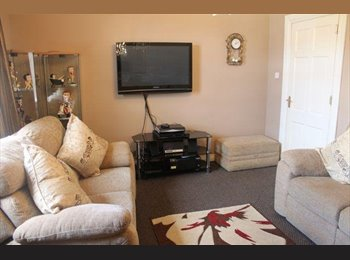 EasyRoommate UK - 5 Bed Flat Croy, 5 min from Train Station - Kirkintilloch, Glasgow - £350 pcm