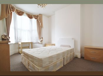 EasyRoommate UK - Tastefully decorated room in Victorian house 164PW - Archway, London - £797 pcm