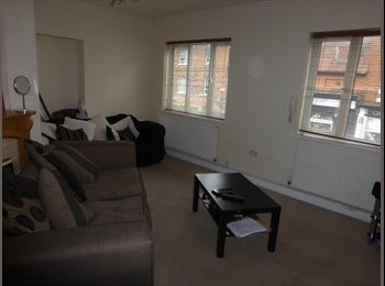 FLAT SHARE- PRIME LOCATION- NEWPORT PAGNELL