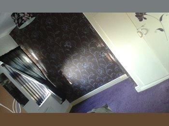 EasyRoommate UK - double bedroom - Wakefield, Wakefield - £350 pcm