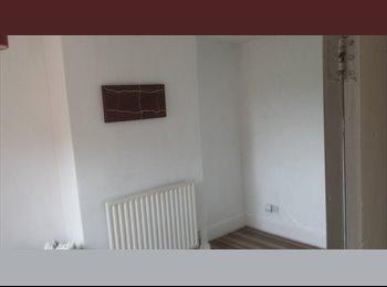 EasyRoommate UK - room  - Kettering, Kettering - £360 pcm