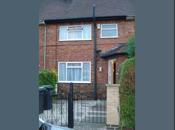 EasyRoommate UK - Two rooms  near Nottingham  Uni , Lenton Abbey - £303 pcm