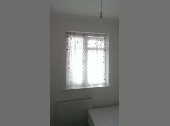 EasyRoommate UK - A BEAUTIFUL SINGLE ROOM NEWLY DECORATED - Walthamstow, London - £390 pcm
