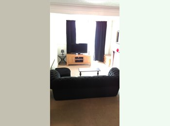 EasyRoommate UK - Large Double Bedroom £400 inc bills - Stoke, Coventry - £400 pcm