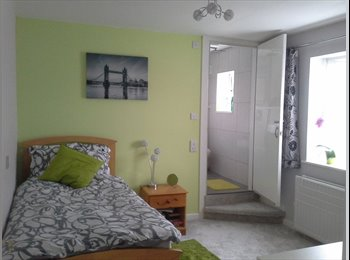 EasyRoommate UK - Newly decorated double room with ensuite - Winton, Bournemouth - £565 pcm