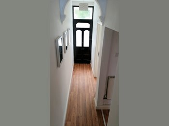 EasyRoommate UK - Entire House Completely Renovated & Refurbished!!! - Earlsdon, Coventry - £465 pcm