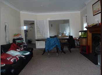 EasyRoommate UK - 2 bed flat for St Marks Hill - Surbiton, London - £1,200 pcm