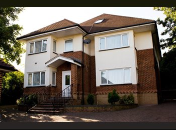EasyRoommate UK - Spacious Double Rooms in a Fantastic Villa House - Cricklewood, London - £825 pcm