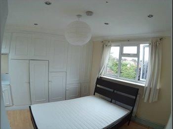 EasyRoommate UK -  Double a newly renovated house - Leyton, London - £650 pcm