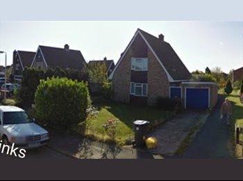 EasyRoommate UK - 3 bedroom detached family home - Kempston, Bedford - £450 pcm