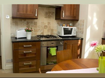 EasyRoommate UK - Lovely Double Room to let Willesden Green - Cricklewood, London - £870 pcm