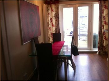 EasyRoommate UK - Professional female wanted to share my home - Edinburgh Centre, Edinburgh - £420 pcm