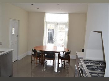 EasyRoommate UK - XL Double Room - Cleaner & Bills included (Reduced - Garston, Liverpool - £400 pcm
