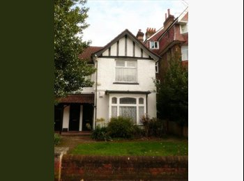 EasyRoommate UK - One Bedroom going in Large Flat Share (2 bed) - Southampton, Southampton - £400 pcm