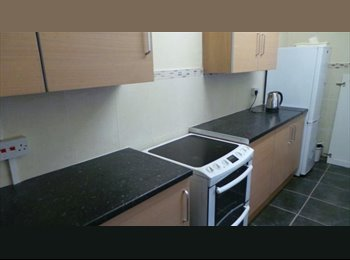 double room in traditional property, Wednesfield, Next to...