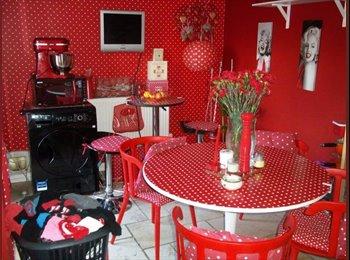 EasyRoommate UK - Looking for housemate share my house  - Locks Heath, Southampton - £390 pcm