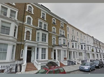 A pleasant studio apartment on Nevern Place, Earl's Court...