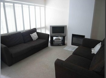 EasyRoommate UK - Terraced House in Chichester - Chichester, Chichester - £400 pcm