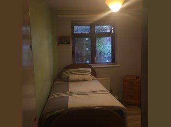 EasyRoommate UK - 1 Single bedroom to rent, Littlemore - £410 pcm