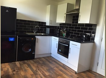 EasyRoommate UK - 2 x Modern Double Rooms In Student Flatshare - Stockwell, London - £580 pcm