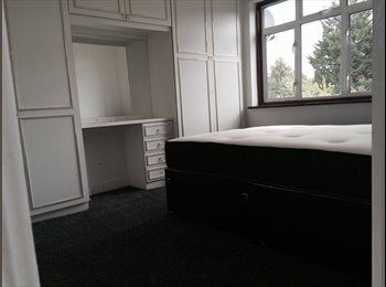 EasyRoommate UK - Double room for a female - Harrow, London - £500 pcm