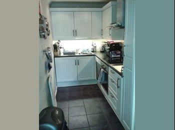 EasyRoommate UK - Double bedroom for rent incudes bills - Dennistoun, Glasgow - £350 pcm
