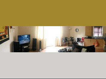 Spare room in modern flat on headingley/Kirkstall border