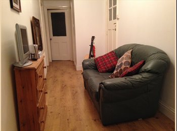 EasyRoommate UK - 2 DOUBLE ROOMS AVAILABLE IN KINGSTON - Kingston upon Thames, London - £500 pcm