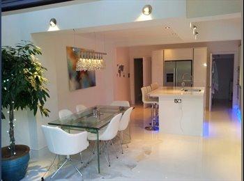 Clapham Premium Listing, Master Ensuite Room, Open-plan...