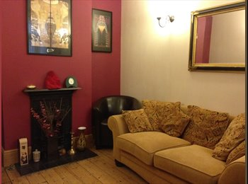 EasyRoommate UK - Double room for rent & your own lounge, Monday-Friday, female only - Southsea, Portsmouth - £350 pcm