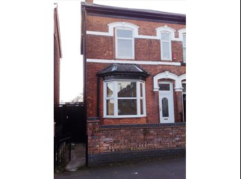 EasyRoommate UK - Large rooms in a large house - Edgbaston, Birmingham - £345 pcm