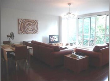 Room to rent in luxury appartment