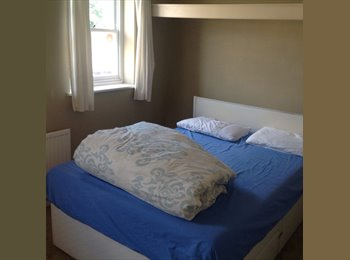EasyRoommate UK - Homely big rooms, on walking street of high street Rochester., Rochester - £400 pcm