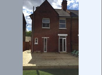 2 double rooms in newly refurbished house