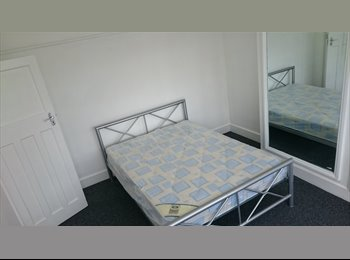 EasyRoommate UK - Beautiful Double Room Available To Rent In a Newly Refurbished House FURNISHED  - Enfield, London - £550 pcm