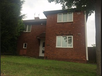 EasyRoommate UK - Spacious 4 bedroom semi, fantastic location for city centre and hospital  - Heath Town, Wolverhampton - £325 pcm