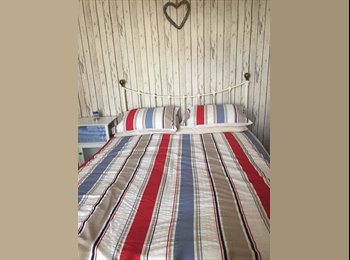 EasyRoommate UK - Clean airy double room to rent - Stapleford, Nottingham - £325 pcm