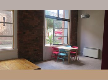 EasyRoommate UK - Ground-floor Flat in Manchester - Hulme, Manchester - £725 pcm