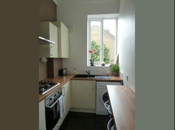 A bright furnished double bedroom very close to Kentish...
