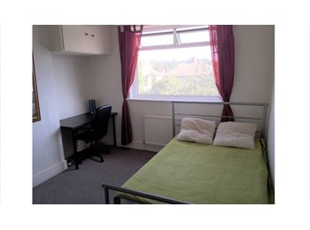 EasyRoommate UK - 1 double room in North Harrow - Harrow, London - £640 pcm