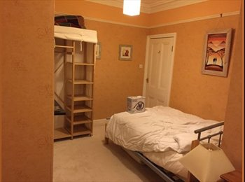 EasyRoommate UK - Double Room to let - Plymouth, Plymouth - £350 pcm