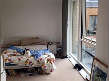 EasyRoommate UK - Zone 2, large double, bills included, new/modern friendly flat - Bermondsey, London - £780 pcm
