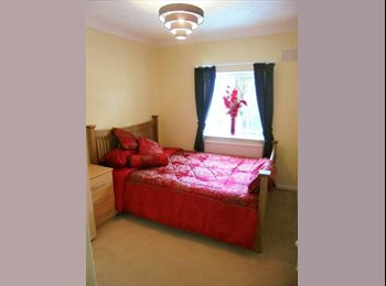 EasyRoommate UK - Small double bedroom, unfurnished. with fully furnished lounge - Emsworth, East Hampshire and Havant - £400 pcm