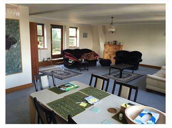 EasyRoommate UK - Flat for rent in Poole! - Poole, Poole - £750 pcm