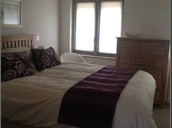 EasyRoommate UK - En suite room to let Monday to friday - Thornbury, Bristol - £480 pcm